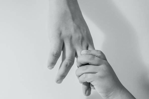 Essere genitori, essere figli. Risorse e fragilità tra presente e passato