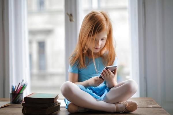 Dipendenza da smartphone e i suoi effetti tra i più giovani