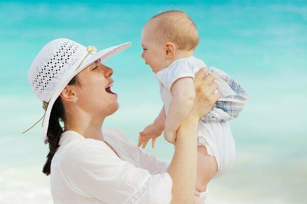 """La recettività materna a emozioni e sensazioni del bambino: """"La Rêverie materna"""""""
